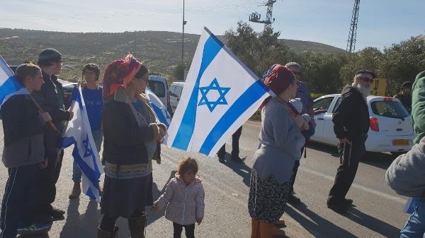 מפגינים נגד הטרור