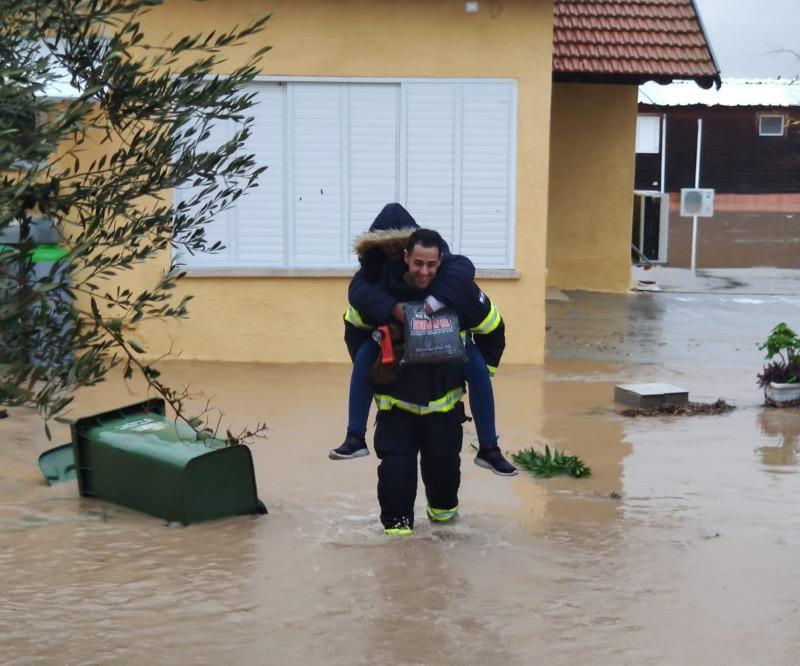 חילוץ מהצפה באשדוד