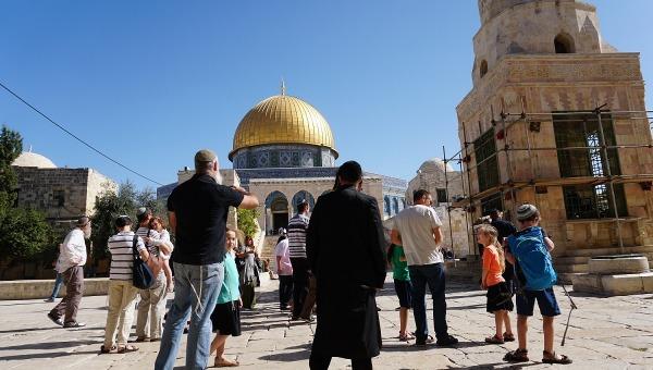 ארכיון: עליית יהודים להר הבית