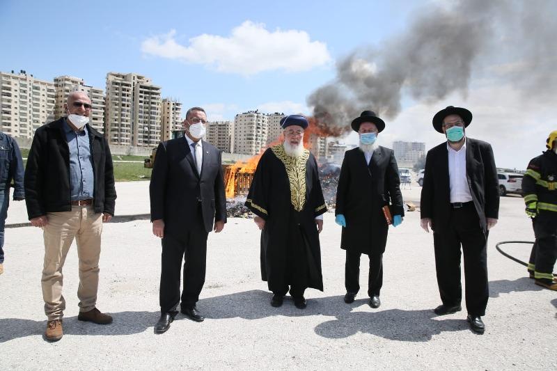 רבני ירושלים, ראש העירייה והחמץ