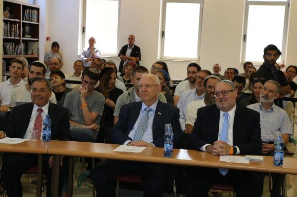 ריבלין עם הרב ריסקין ועם הרב כתריאל ברנדר