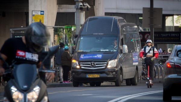 רכב התחבורה הציבורית של עיריית תל אביב, שהחל לפעול בשבתות