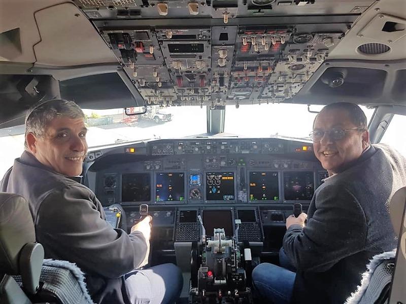 ראש עיריית קרית מלאכי בתא הטייס