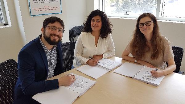 """עתירה לבג""""צ נגד הרבנות הראשית: אפשרו לנשים להיבחן במבחני הסמיכה"""