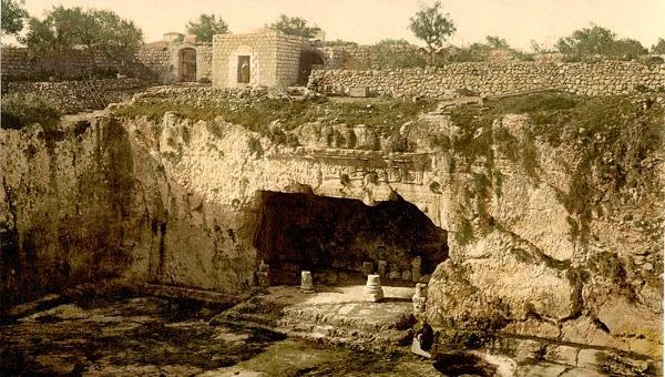 קברי המלכים - קברה המשוער של הלני המלכה בירושלים