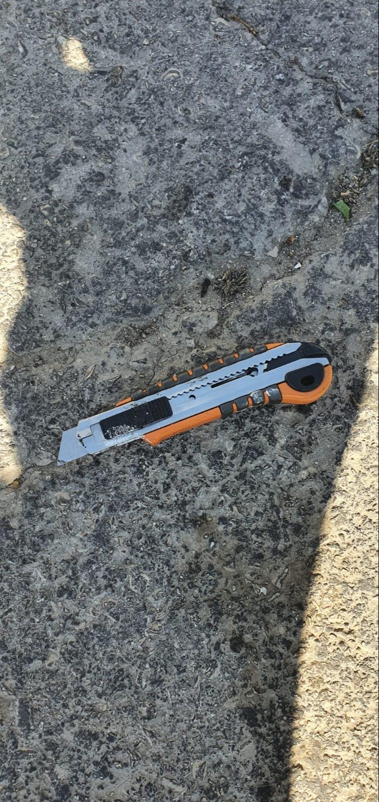 הסכין שהמחבל הביא איתו לבצע את הפיגוע