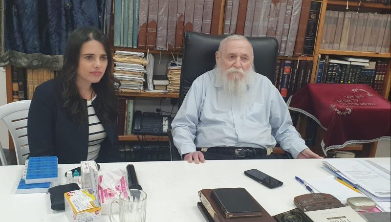 הרב דרוקמן עם איילת שקד