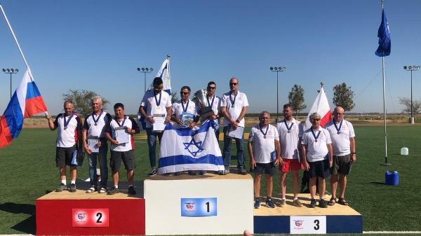 אלופים גם בשמיים: נבחרת ישראל בטיסנים זכתה בגביע עולם