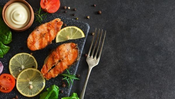 סלמון בתנור עם ירקות