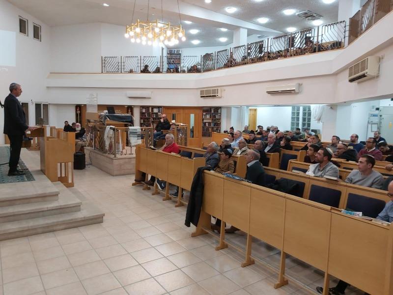 הרב פרץ עם השליחים