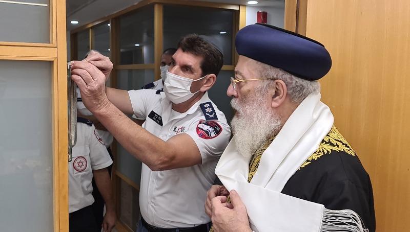 חנוכת בית כנסת בבניין מדא בנוכחות הראשון לציון הרב שלמה משה עמאר