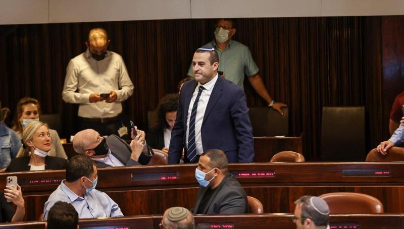 """כלפון מבקש דיון על המעצרים בהר הבית ותוקף את בר-לב: """"שולל את זכות היהודים"""""""