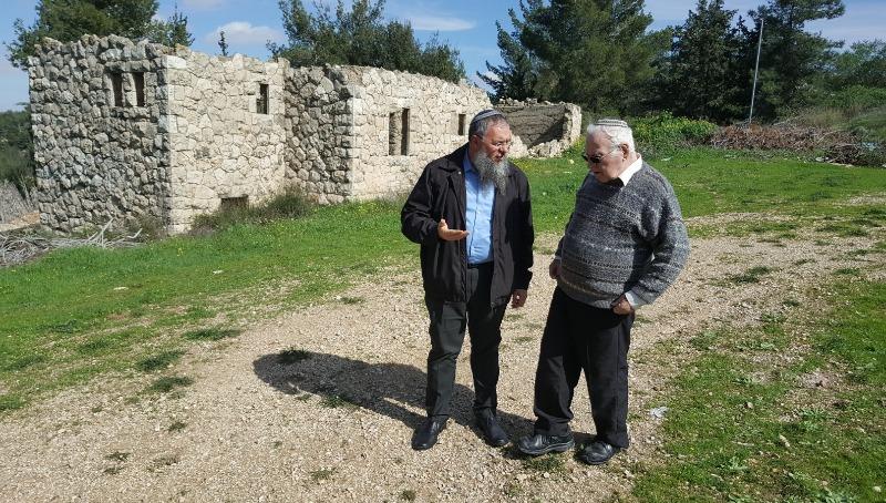 מושקו עם ראש המועצה משה נאמן