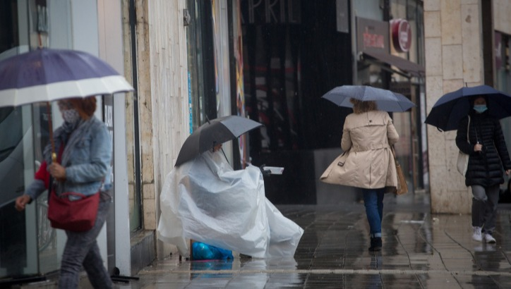 תוציאו את המטריות - הגשם מגיע