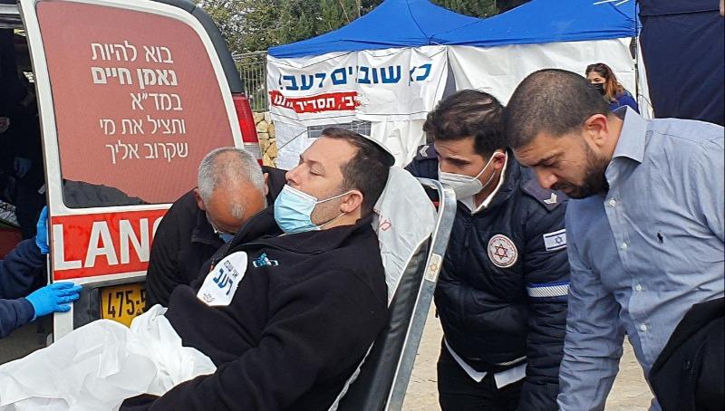 ראש מועצת שומרון מפונה לבית החולים