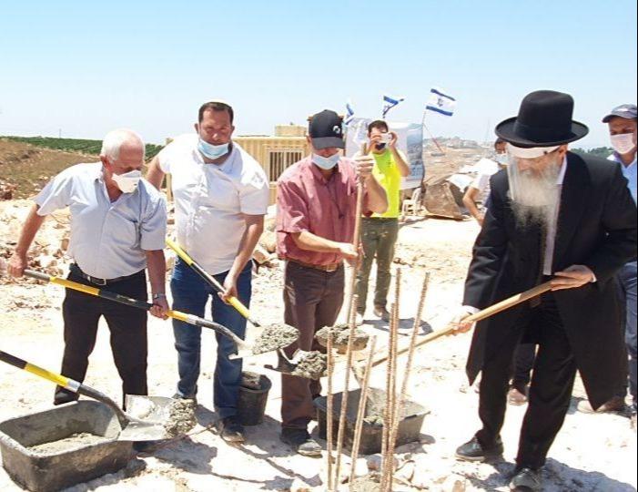 הנחת אבן פינה לשכונה חדשה בהר ברכה ב-1.7