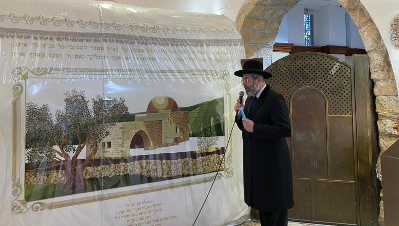 הרב דוד לאו בקבר רחל