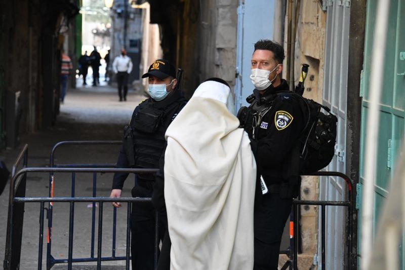 מאות שוטרים נפרסו בעיר
