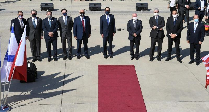 בדרך להסכם שלום: המשלחת הישראלית המריאה לבירת בחריין