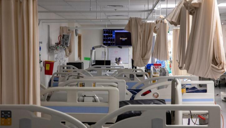 7,999 מתים מקורונה | רוב החולים המאושפזים במצב קשה: לא מחוסנים