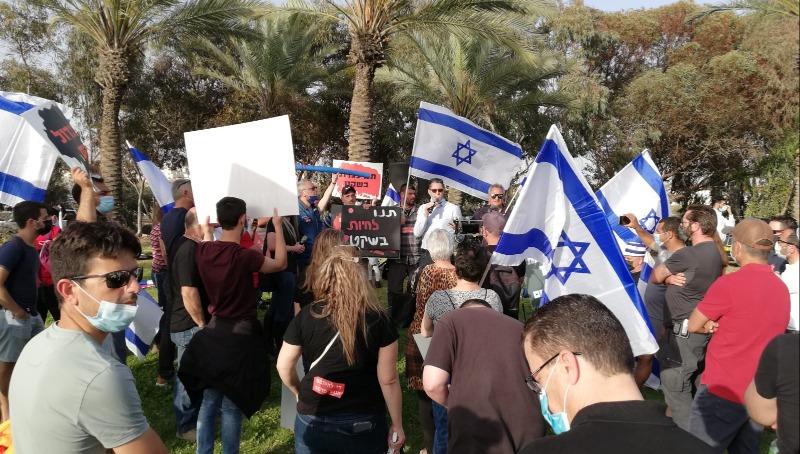 מאות בצומת הכניסה לבאר שבע