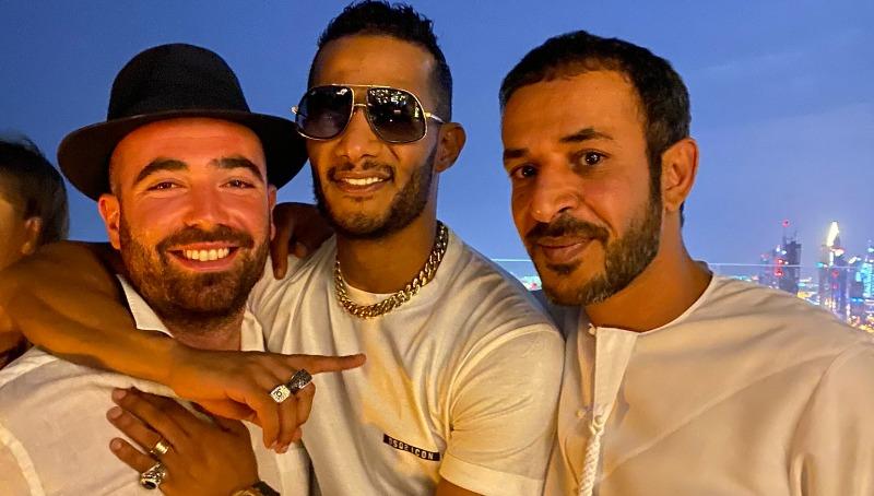 עומר אדם עם הזמר המצרי מוחמד רמדאן