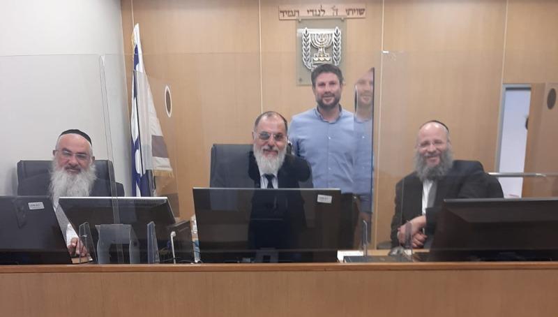 הרב פרימן, הדיינים וחבר הכנסת סמוטריץ