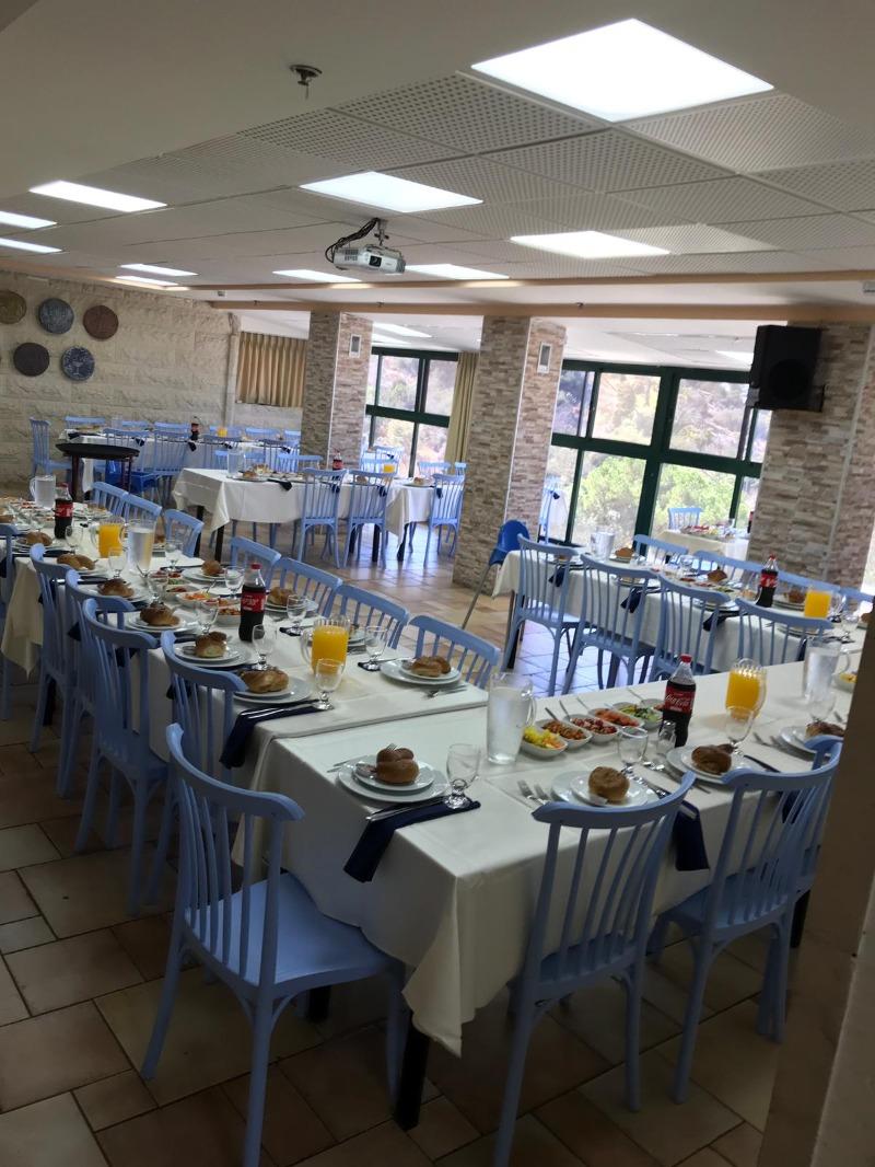 משפחות גדולות וקבוצות יוכלו לאכול בחדר אוכל נפרד ופרטי