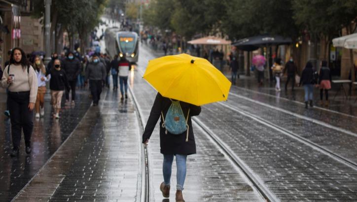 הגשם ממשיך לרדת