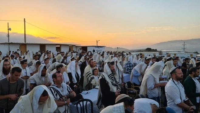 תפילת הלל חגיגית ביישוב החדש