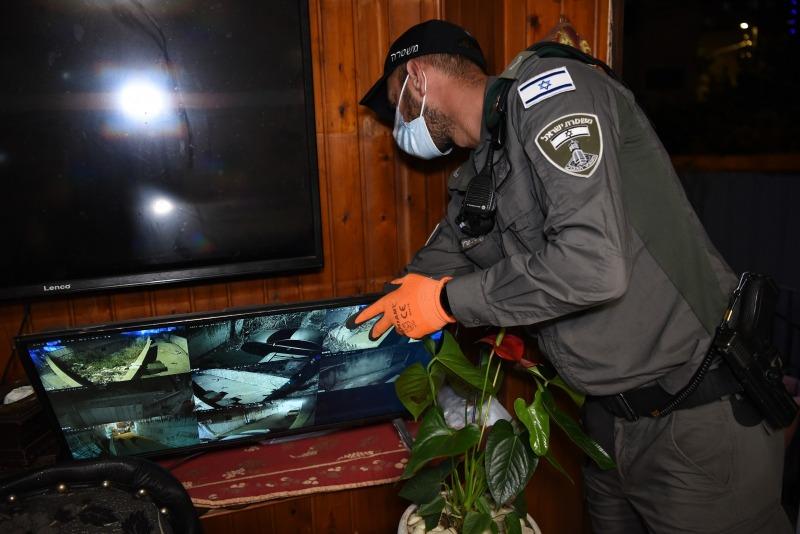 עשרות שוטרים ולוחמים השתתפו בפשיטה ובמעצרים