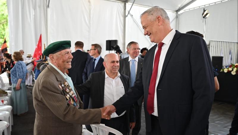 גנץ בטקס לציון יום הניצחון על גרמניה הנאצית