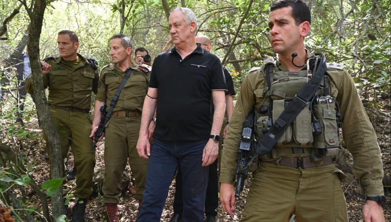 שר הביטחון בני גנץ, עם אלוף פיקוד הצפון, אמיר ברעם