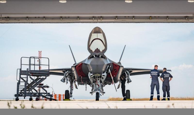 מטוס האדיר. 6 מטוסים ישראלים ישתתפו בפריסה
