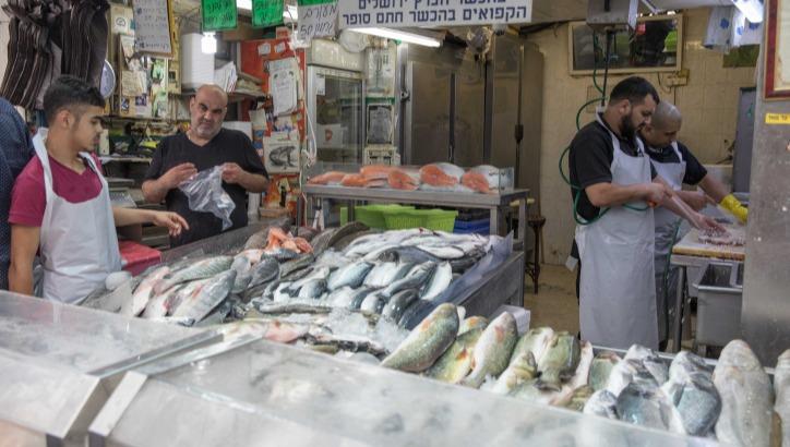 חנות דגים בשוק מחנה יהודה.