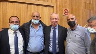 נחמיה רייבי (השני משמאל)