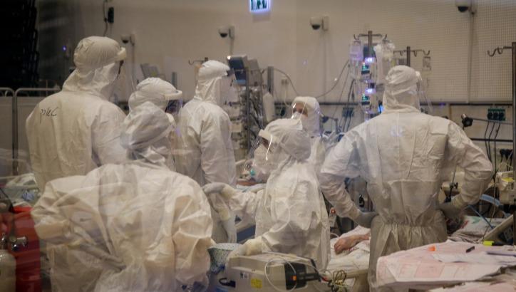 רופאים במחלקת קורונה. ארכיון