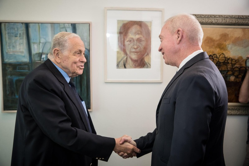 """פרס ישראל מוענק ליהודה משי זהב וד""""ר יוסף צ'חנובר"""