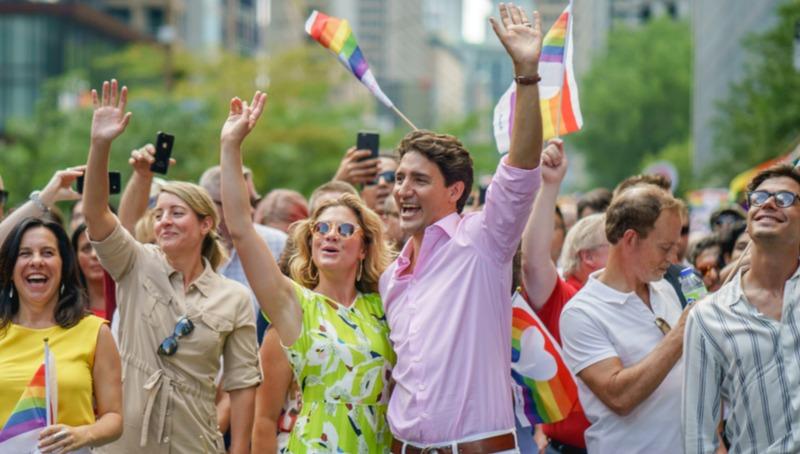 סופי גרגואר טרוד ובעלה באירוע גאווה בקנדה