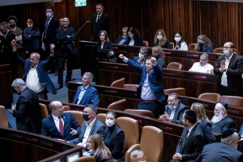 הפסד לקואליציה: אושרה הצעת חוק של אחמד טיבי