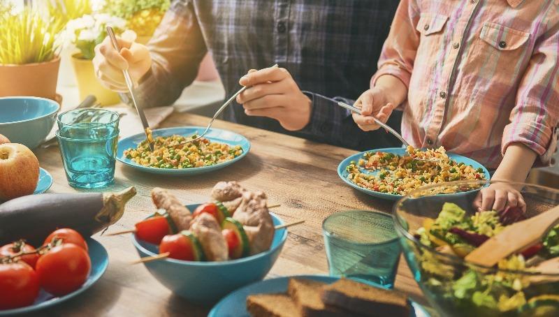 מה לאכול  ומה לא לאכול לפני הצום   7 כללי ברזל שיקלו עליכם לקראת יום כיפור
