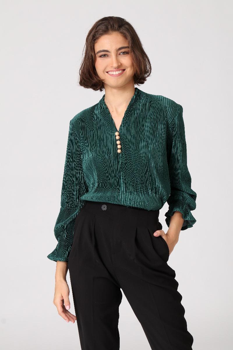 חולצת פליסה ירוקה של המותג קאלה 174 שקלים