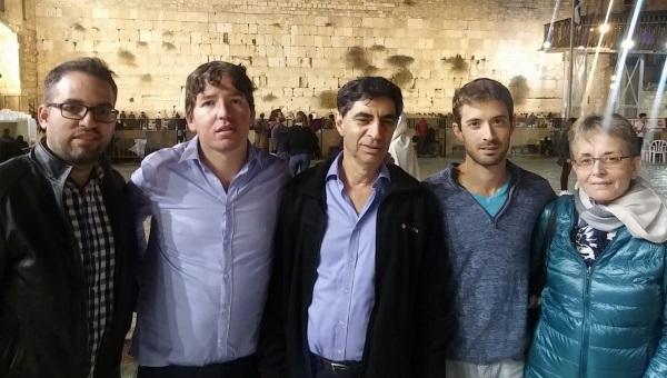 בני משפחת גולדין ומארגני העצרת