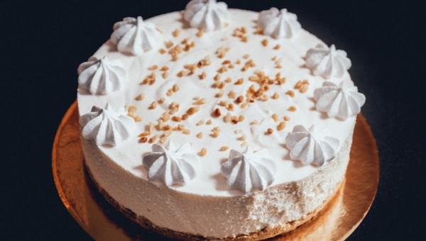 עוגת שוקולד ומוס חלבה ללא תוספת סוכר