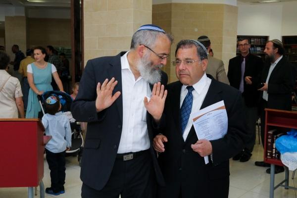 הרב ריסקין והרב סתיו