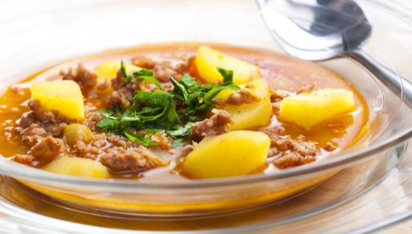 תבשיל תפוחי אדמה ובשר טחון