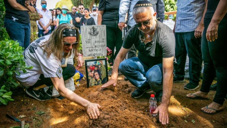 """קברו של עמית בן יגאל ז""""ל"""