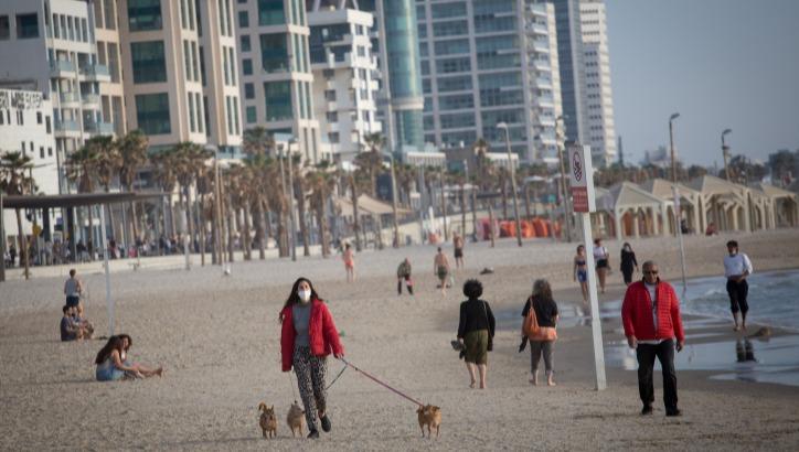 חוף הים בתל אביב בימי הקורונה