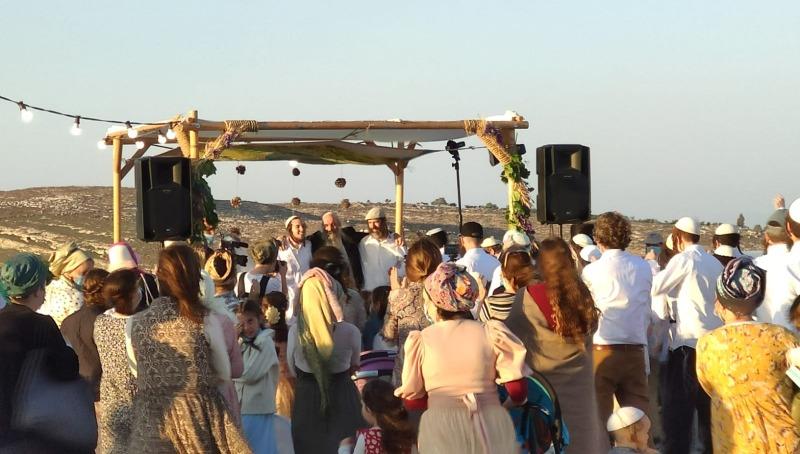 חתונת קורונה בעמונה