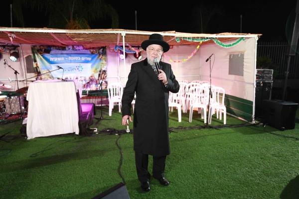 הרב ישראל מאיר לאו נואם